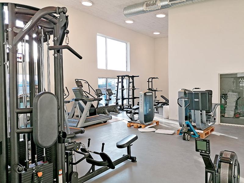 Fitnessafdelingen er den første afdeling med aktivitet.