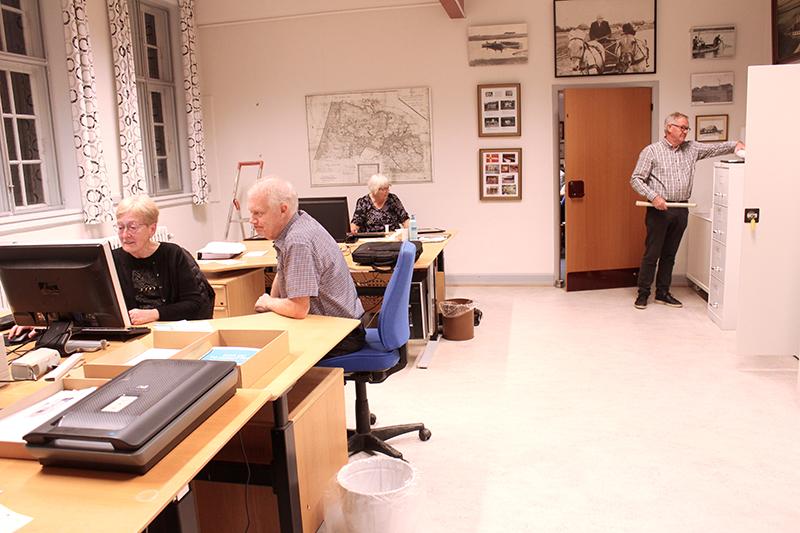 Hostrup Sognearkiv fejrer arkivets samt Elna Vogts og Robert Hansens 25-års jubilæum torsdag den 14. oktober klokken 14-17 og viser samtidig de nye lokaler frem.