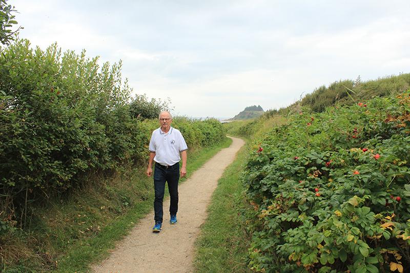 Jens-Erik Bundgaard holder meget af naturen og nyder ofte en løbetur i den. Her bliver han inspireret til sine skriverier.